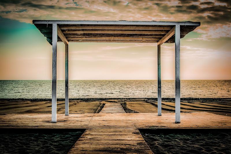Passage To Nowhere di JohnnyGiuliano