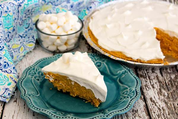 Cookie Mallow Pie With A Slice Cut.