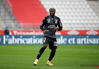 Ligue 1 : un ancien attaquant de Pro League trouve la faille, Raymond Domenech neutralise Jérémy Doku