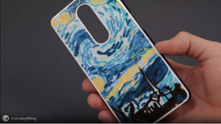 MakeAnything's Starry Night phone case utilized ten different colors in the first layer.