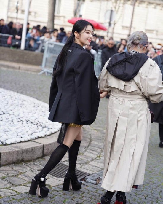 190305_Red_Velvet_Irene_Fashion_-_Paris_Fashion_Week-2