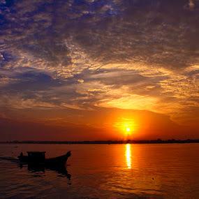 by Kanda Ridho - Transportation Boats