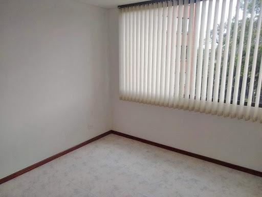 apartamento en arriendo poblado 679-27700