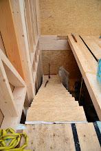 Photo: 07-11-2012 ©ervanofoto Ziezo, de trap steekt. Gemakkelijk, nu is er heel wat minder op ladders te klimmen.
