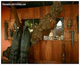 Photo: ma petite boutique, auprès de mon arbre. Busua inn, busua