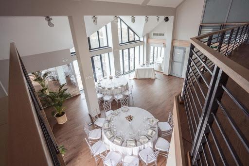 Банкетный зал «Зал «Мансарда»» для свадьбы на природе