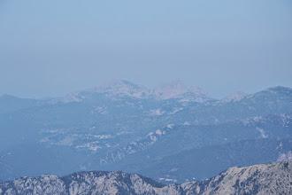 Photo: v opare priblížené Capo di u Vitullu (1331 m) a Capo d'Orto (1 294 m), na ktorom sme boli pár dní dozadu