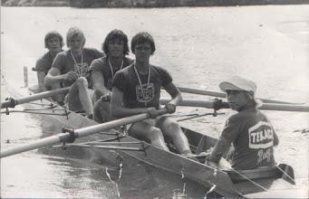 Photo: 1976 Odense Roklub vinder junior DM. Flemming Eltang, Tom Gregersen, Søren Hansson, Bjarne Eltang. Cox Ulrik Jørgensen.
