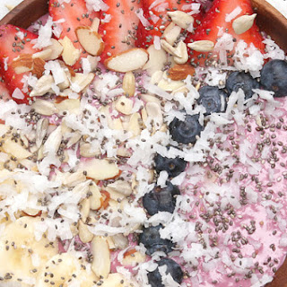 Enjoy a Healthy Breakfast with This Tasty Berry Smoothie Bowl Recipe