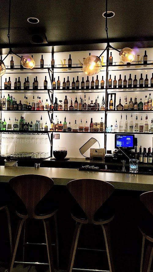 Can Font Portland, a restaurant in the Pearl District of Portland offering Catalan Cuisine- bar area where you will find Can Font Happy Hour