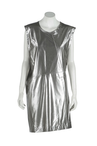 3ca8ef21db2316 Impossible Fashion  Avant-Garde Fashion at the Museo del Traje — Google  Arts   Culture