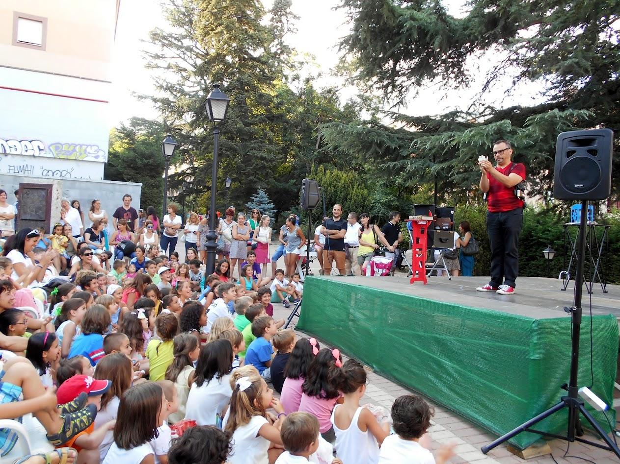 magia escena calle El Escorial fiestas 2015