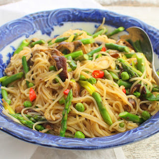 Fresh Rice Noodles with Mushrooms, Asparagus and Peas.