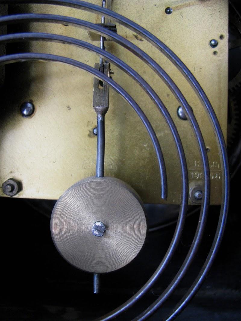 Inside the Old Clock di Elisabetta Di Girolamo