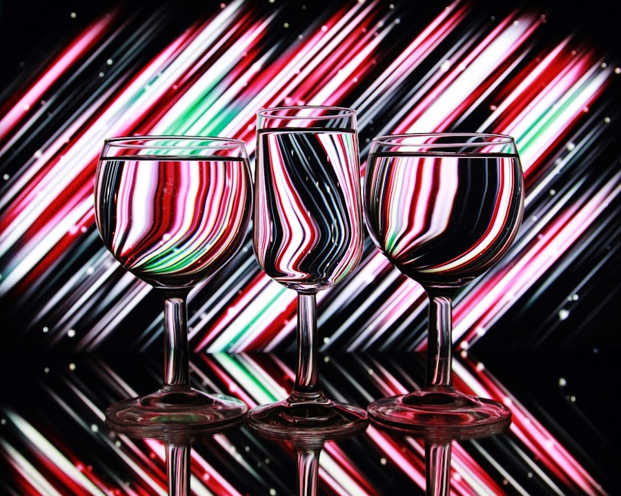 glasses and lines by Peter Salmon - Artistic Objects Glass