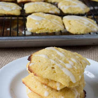 Sugar-Free Lemony Butter Cookies {Low Carb & Gluten Free}.