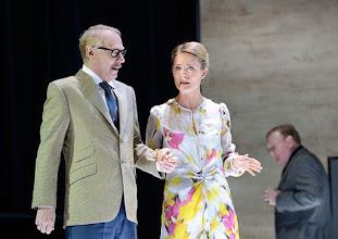 """Photo: WIEN/ Theater in der Josefstadt: """"VOR SONNENUNTERGANG"""" von Gerhard Hauptmann. Premiere 3.9.2015. Andre Pohl, Pauline Knof. Copyright: Barbara Zeininger"""