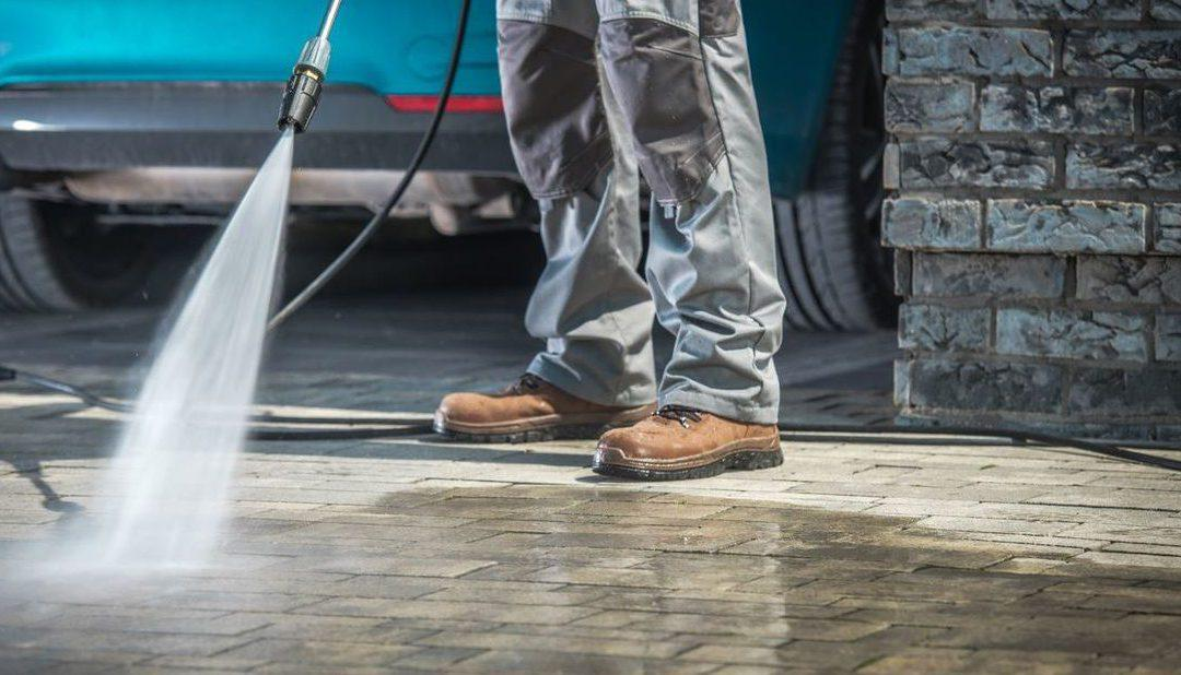Benefits of Hiring Professional Pressure Washing Services Over DIY