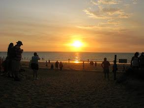 Photo: Darwin - watching sunset at Mindil Beach/ zapady slnka v Darwine vraj patria k najkrajsim.