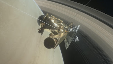 Photo: FILE PHOTO: This illustration of NASA's Cassini spacecraft about to make one of its dives between Saturn and its innermost rings as part of the mission's grand finale.  Courtesy NASA/JPL-Caltech via REUTERS   ATTENTION EDITORS - THIS IMAGE WAS PROVIDED BY A THIRD PARTY. EDITORIAL USE ONLY.