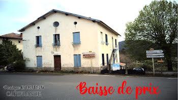 maison à Saint-Pierre-la-Bourlhonne (63)