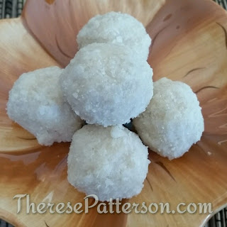 Healthy Coconut Macaroons.