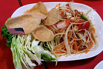 "Photo: hot-and-sour green papaya salad with seafood (""som dtam talay""), Toh Plue restaurant at Chatuchak weekend bazaar"