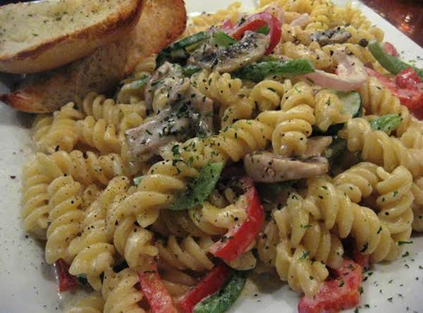 Creamy Garlic Pasta Primavera Recipe