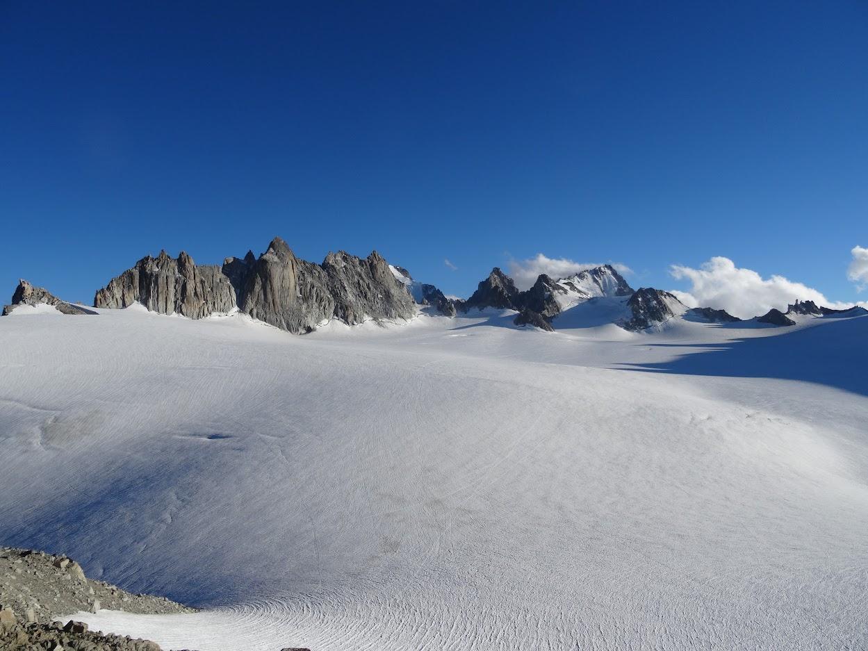 Uitzicht op de Gletsjer vanuit  refuge Trient