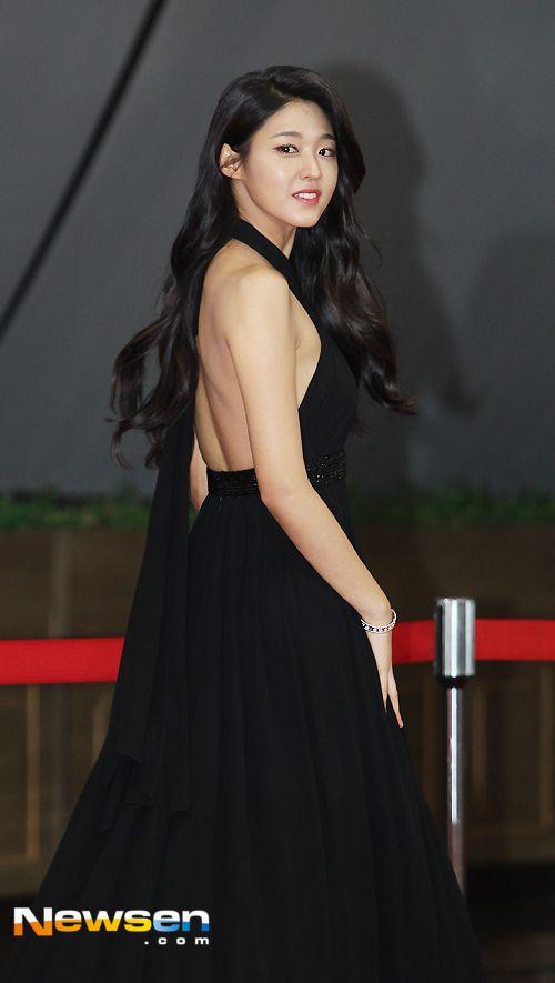 seol gown 14