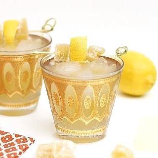 Bourbon Ginger Lemonade Cocktail.