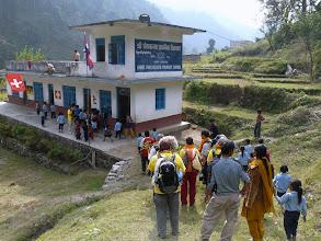 Photo: Am nächsten Tag besuchen wir die Schule der Nepalkids in Bhaise.