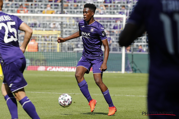 """Albert Sambi Lokonga kijkt uit naar het treffen met Club Brugge: """"Op gebied van kwaliteit moeten wij niet onderdoen voor Club"""""""