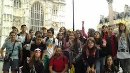 Alumnos del IES Sierra de Gador en un intercambio anterior con el instituto Grahan School de Inglaterra. En el centro, Jose Antonio Cárceles.