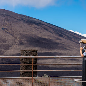looking at the vulcano  by Michel Vandermeersch - People Street & Candids ( mountain, reunion, vulcano, vulcan,  )