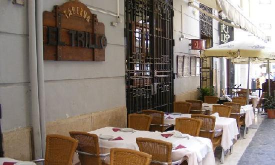 Tapear en Málaga en Taberna el Trillo