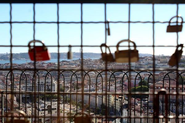 Boa viagem, Lisboa espera por ti. di Angela Pellillo