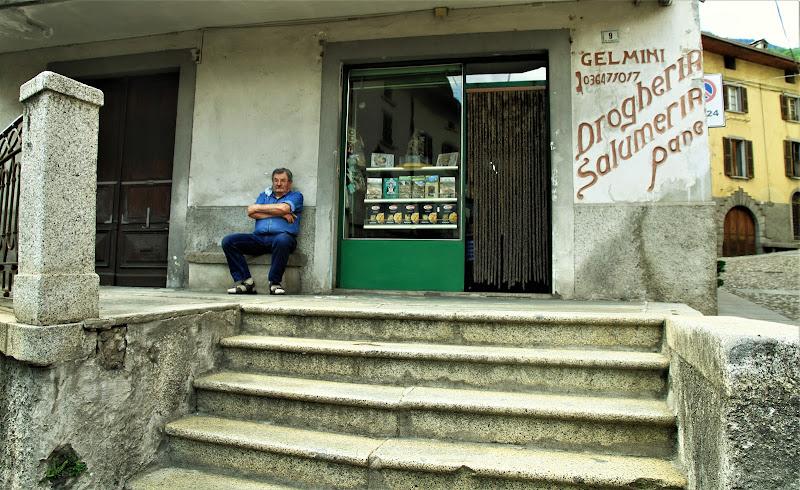 solitudine ...senza clienti di G.Papagno