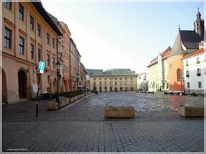Photo: Pequeña plaza del mercado.Cracovia (Polonia) http://www.viajesenfamilia.it/CRACOVIA.htm