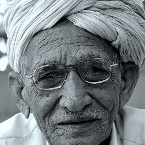 Panipath by Subrata Chatterjee - People Portraits of Men