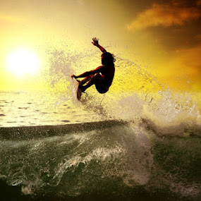 HI 5! by Alit  Apriyana - Sports & Fitness Surfing
