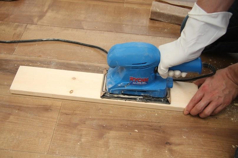 Szlifierkę należy dobrać do rodzaju drewna i powierzchni