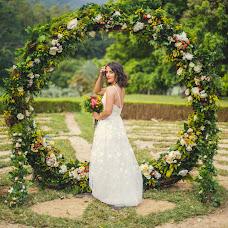 Wedding photographer Katerina Antonova (photoemotion). Photo of 19.12.2018