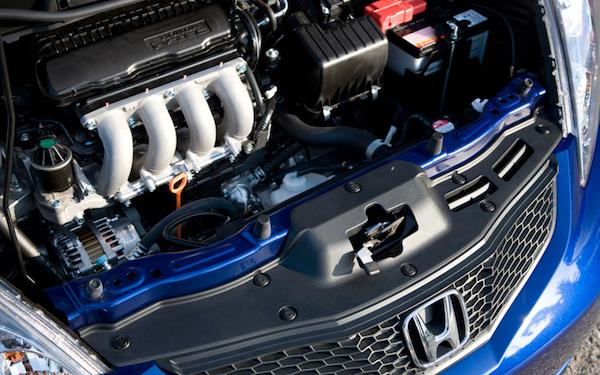 เครื่องยนต์ในโฉม GE ใหม่กว่า จะน่าใช้กว่าเพราะมากับระบบ i-VTEC