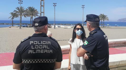 Refuerzo policial en las playas de Almería para evitar aglomeraciones