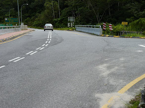 Photo: Tanah Rata, Cameron Highlands - road to hospital where trail 9 begins, turn right here to pedestrian bridge