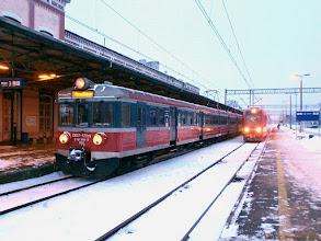 Photo: EN57-770 i SA123-002 (Arriva) {Toruń Główny; 2013-01-21}