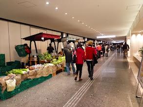 Photo: 駅地下のマーケット