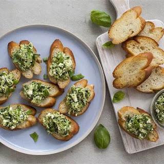 Fast Zucchini and Feta Crostini