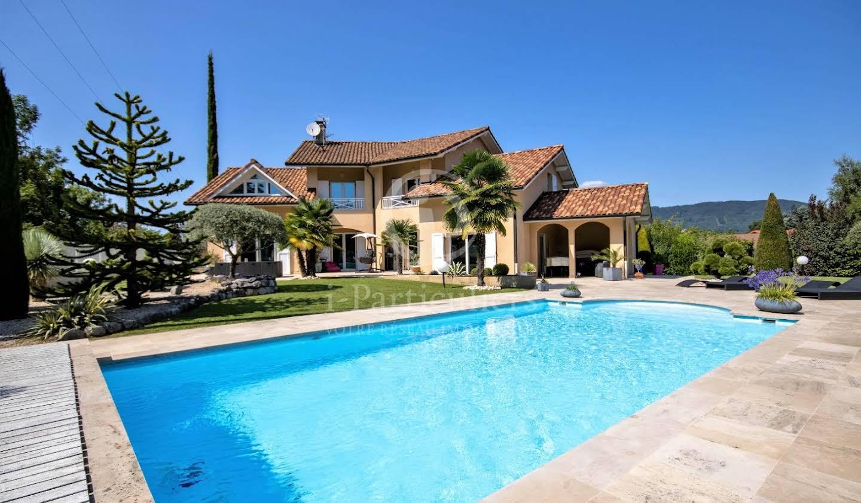 Maison avec piscine Charnècles
